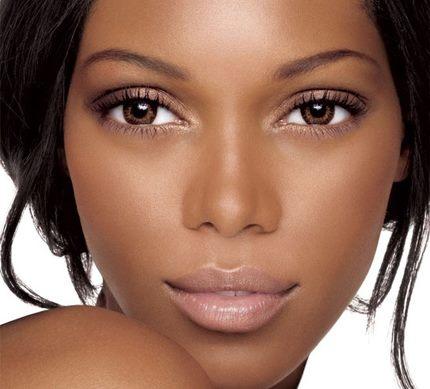 Los Secretos En Maquillaje Para Chicas De Piel Oscura