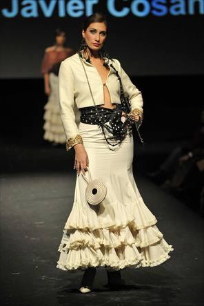 traje de flamenca beige