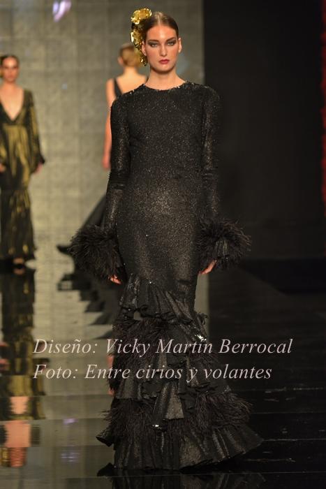 traje de flamenca vicky martin berrocal foto entre cirios y volantes simof