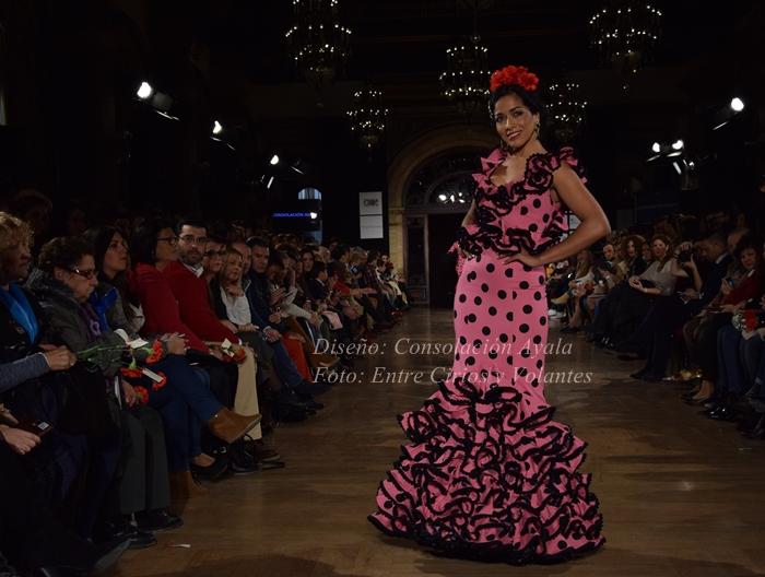 consolacion ayala trajes de flamenca entre cirios y volantes