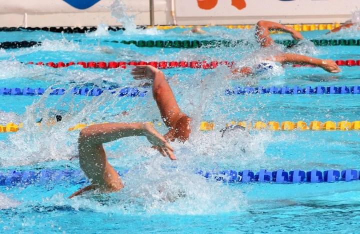 Cómo mejorar el ritmo de brazada en natación