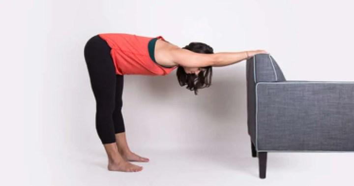 Poses de yoga adecuadas tras un viaje
