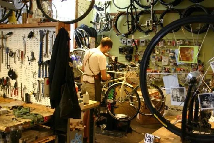 mantén tu bicicleta en buenas condiciones