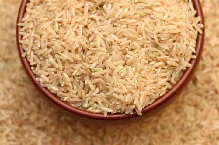 Cómo cocinar el arroz pardo o cargo