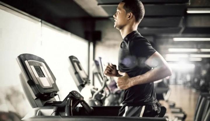 Entrenamiento en cinta de correr en intervalos