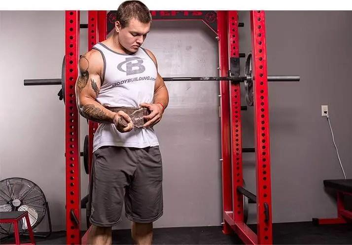 Levantamiento de pesas y uso del cinturón
