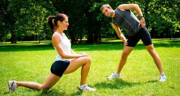 Calentar de manera adecuada antes de practicar running