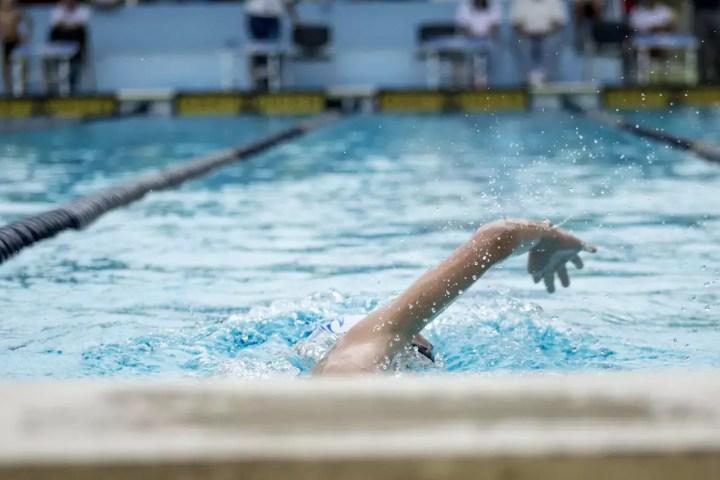 Ejercicios beneficiosos para hallar el ritmo perfecto de la brazada en natación