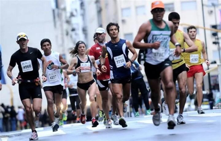 Ser maratonista implica gastos económicos