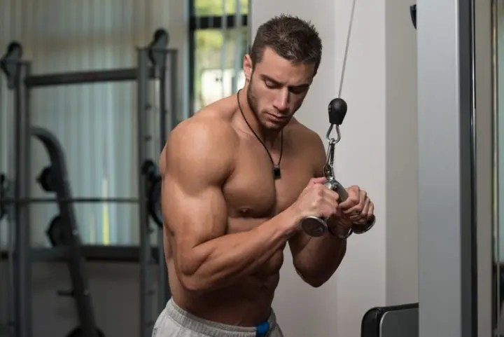 Mejores ejercicios para tríceps más grandes