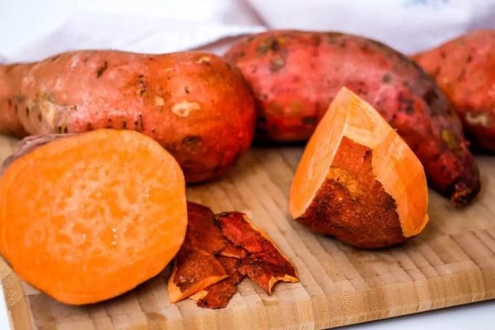 Las patatas dulces son carbohidratos saludables