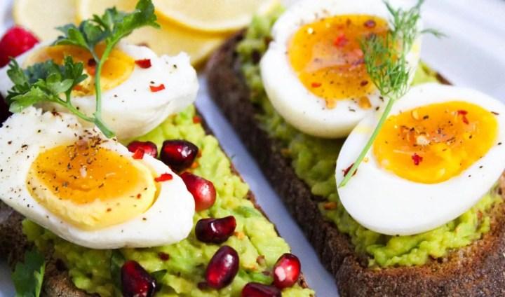 ¿Comer muchos huevos incrementa el colesterol?