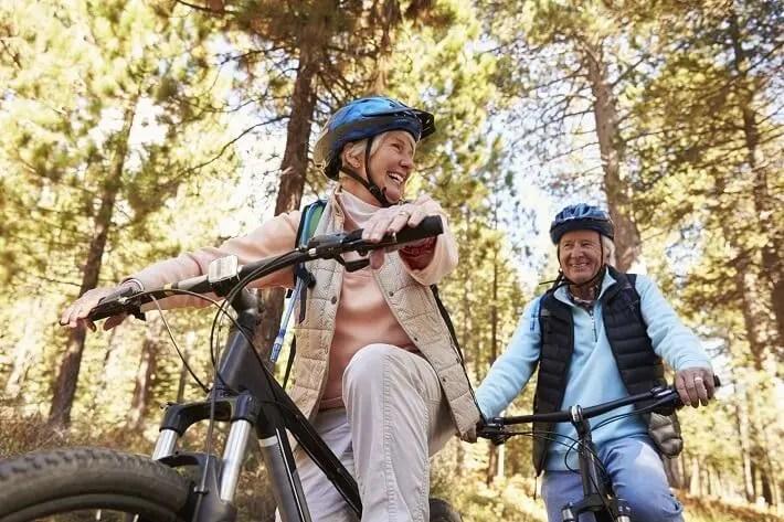 Ejercicios para fortalecer las articulaciones y ligamentos de adultos mayores