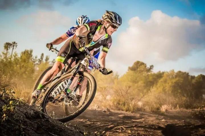 Cómo mantener más tiempo una cadencia ciclista alta