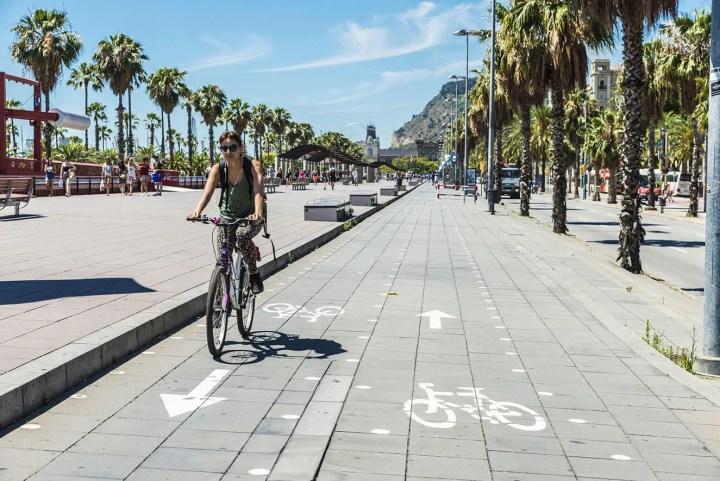 Cómo circular con seguridad por los carriles bici