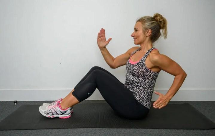 Sprint de brazos en posición sentada para fortalecer el core