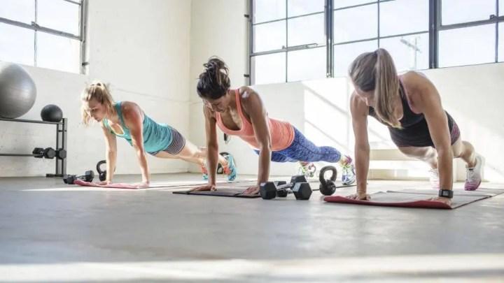 ¿Cuánto tiempo necesitas aguantar en posición de plank?