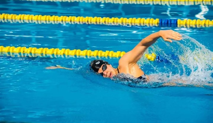 Cómo ejecutar el estilo libre de natación