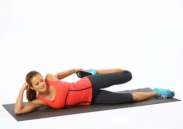 Cómo ejecutar el estiramiento de cuádriceps lateral