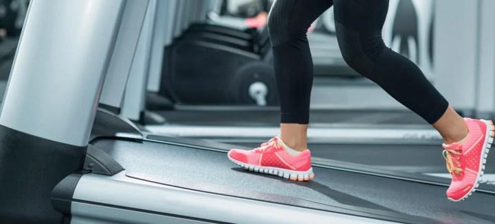 Cómo entrenar los glúteos en la cinta de correr