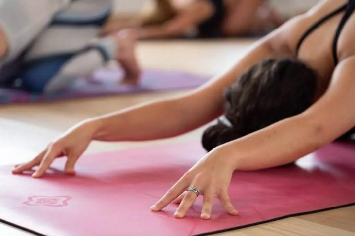 Instrucciones para seguir una clase de Hot Yoga