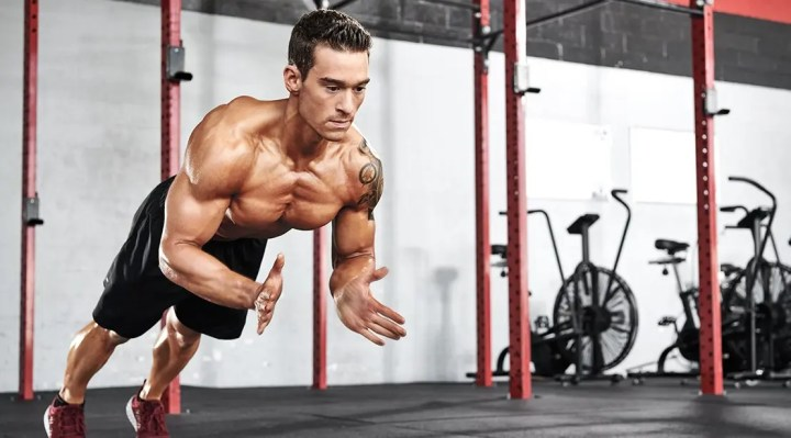 Cómo hacer las flexiones de cuerpo completo