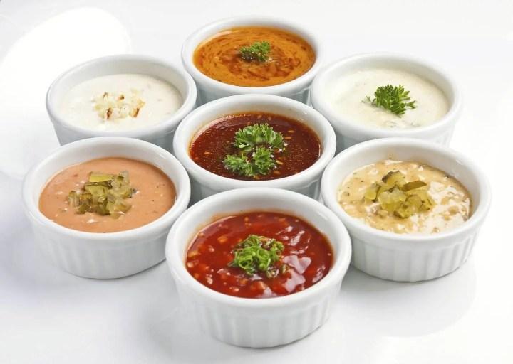 ¿Cómo preparar una salsa saludable para mojar snacks?