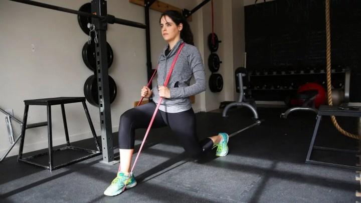 Ejercicios con bandas de resistencia para fortalecer las piernas