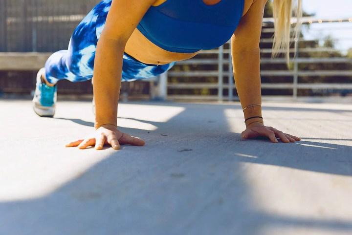 Cómo entrenar en casa para mantener la masa muscular