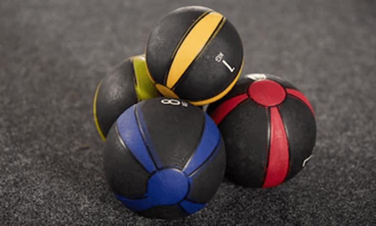 Balones medicinales para ejercitar los músculos