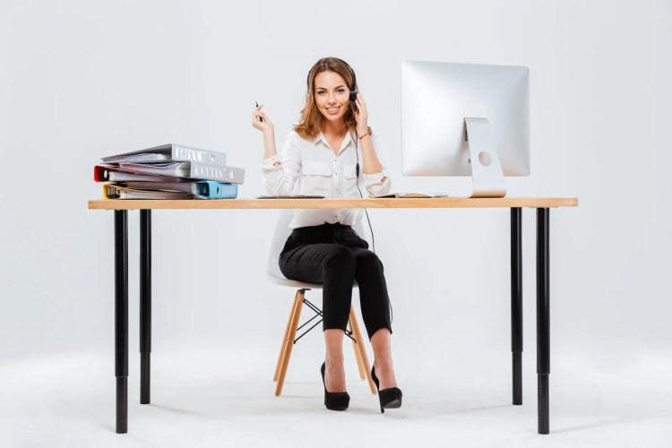Qualities of a professional receptionist