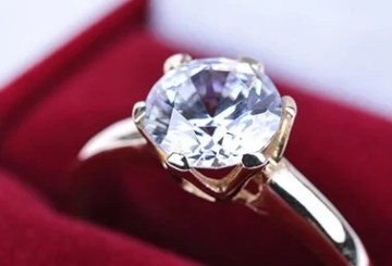 Selling diamonds successfully online