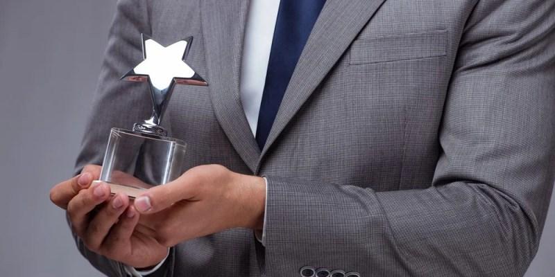 effective employees award program