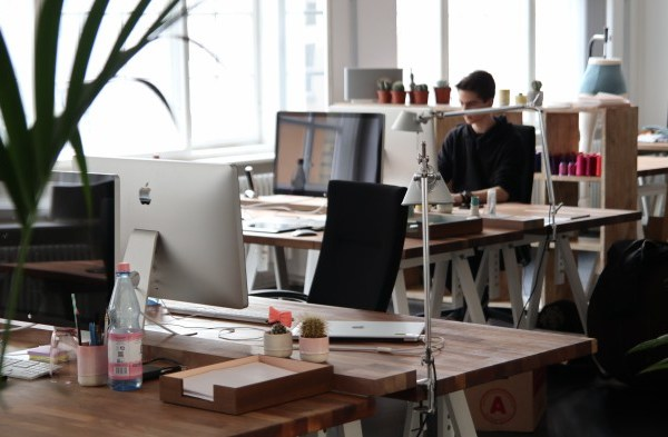 Shared office space etiquette tips and coworking guidelines rules