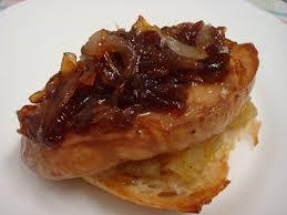 Pizzetas de foie con tomate a la vainilla y compota de manzana