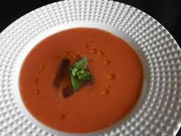Sopa de tomate y sandia