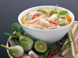 Carne al curry thailandesa (KAENG PHED NUA)