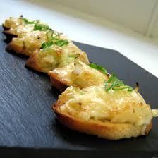 Canapés de mayonesa y queso