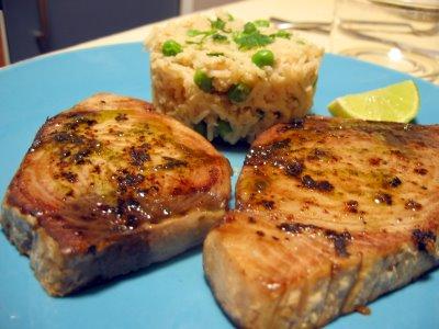 Filete de atún aderezado con vinagre balsámico
