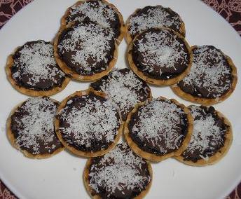 Tartaletas tibias de chocolate y peras
