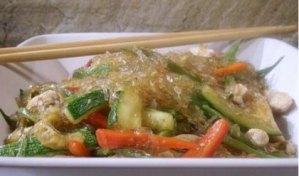 wok de verduras con pollo y langostinos