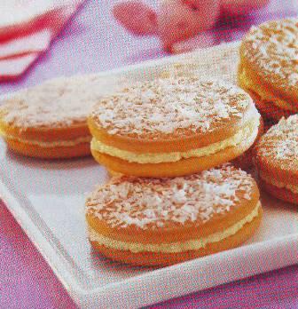 Pastelitos de galletas rellenos