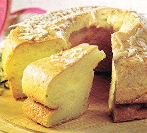 Rosca de pan a los dos quesos