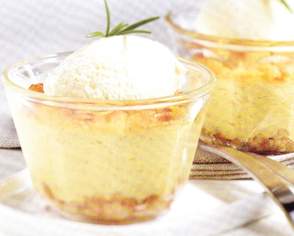 Suflé de manzanas al romero con helado