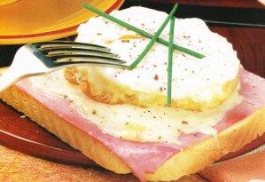 tostadas con queso zamorano