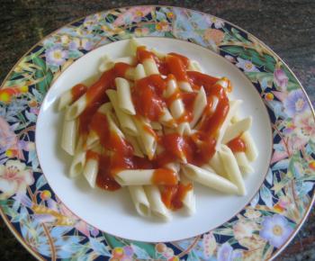 Macarrones con tomate