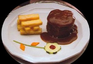 Solomillo con foie gras y trufa