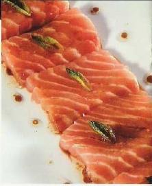 Sashimi tibio de salmón