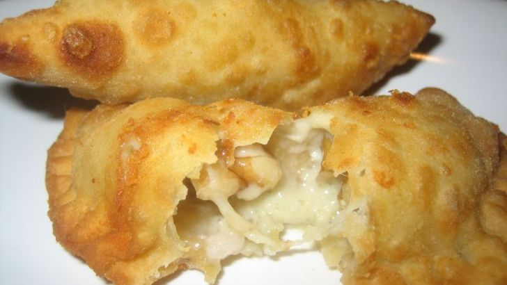 Empanadillas rellenas de setas y nueces