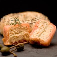Mousse de salmón con langostinos